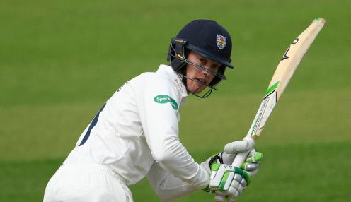 Jennings steps in for Stoneman at Headingly